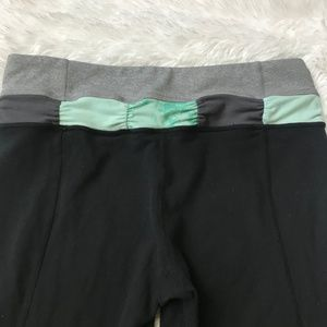 lululemon athletica Pants - Lululemon Capri/Crop Pants